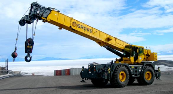 All Terrain Crane Or Crawler Crane