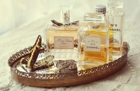 Traditional Or Online Perfume Shopping