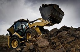 Backhoe Loader Or Mini Excavator – Which Is A Better Option