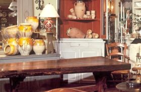 Online or Offline Antiques Buying Experience – Which Is Better