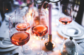 Red or Rose Wine: Which One to Serve at a Dinner Party?