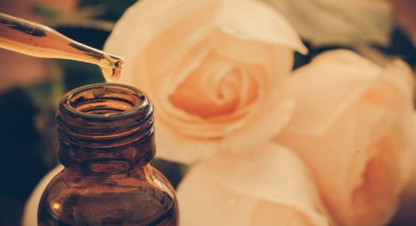 Reap the Benefits of Aromatherapy: Pure vs Synthetic Essential Oils