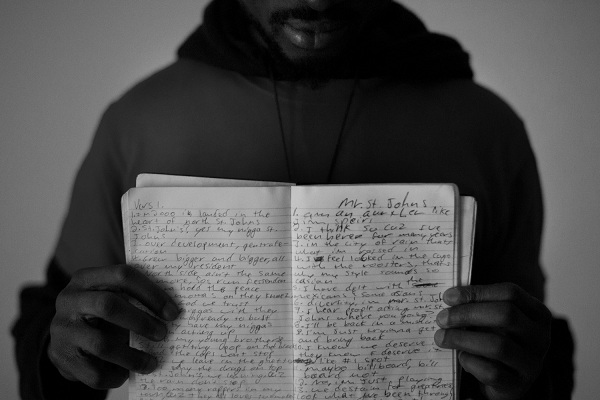 a comparison of poetry and modern rap music Introduce the unit: tell students they will be studying the ways in which rap music is a modern poetic form in what ways it is indeed poetry, and how rap relates to other forms of poetry they will be learning about the roots of rap music, and beginning a daily journal about the songs and poems we study.