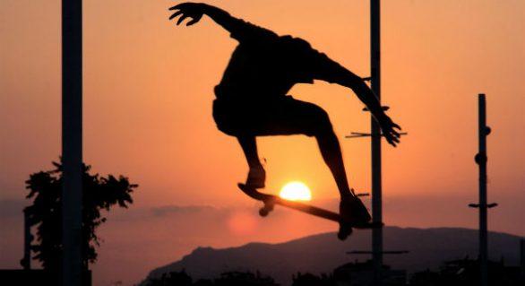Skateboards vs Longboards: Get on Board with Us Debaters