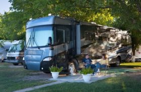 Home on Wheels Dilemma: Unfurnished or Fully Furnished RV?