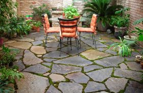 Outdoor Paving Dilemma: Porcelain or Natural Stone Tiles?