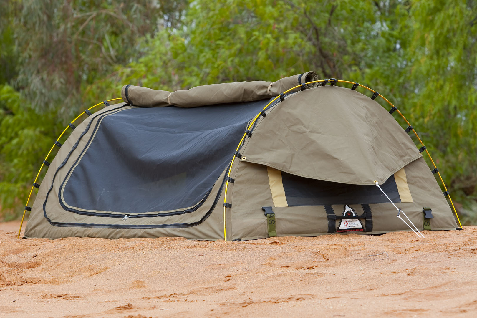 Camping Swags vs Tents: Which One is Right For You?