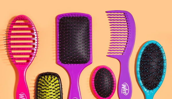 Hair Comb Vs Brush – When to Use the Right Tool to Tame Your Tresses?