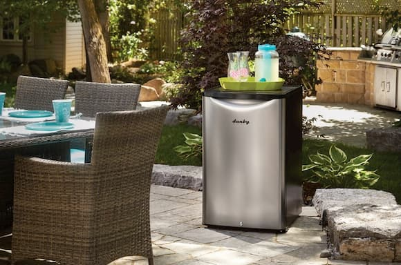 Best-outdoor-bar-fridge