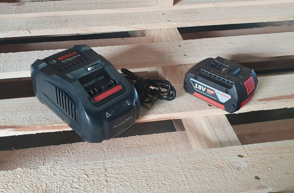 battery-powered-strapping-tool-battery-charger