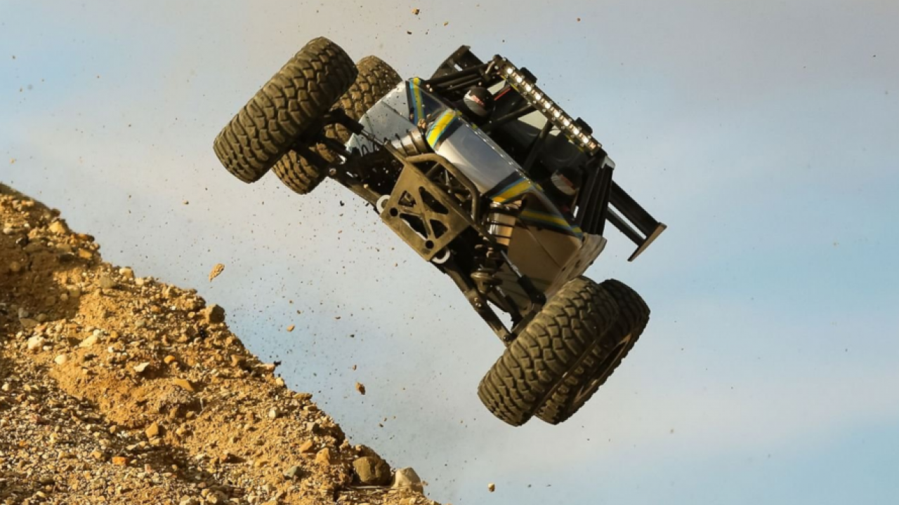 RC-Petrol-Truck-Outdoor-Performance
