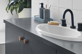 Top Mount vs. Undermount Bathroom Sinks: Which to Choose?
