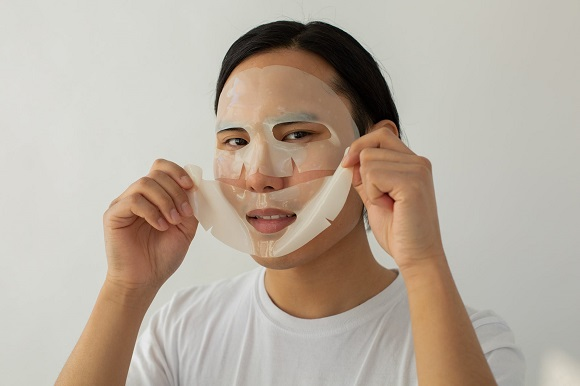 picture of a men with a mask on his face for skincare